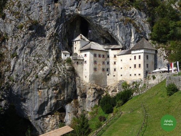 Castillo de Predjama