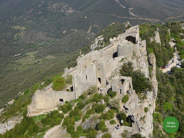 Castillo de Peyrepertuse cátaros Ruta por los castillos cátaros, sur de Francia castillos del sur de francia