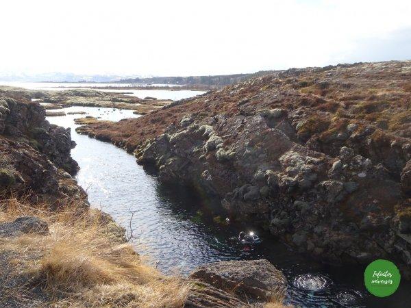 Buceadores en Silfra - Círculo Dorado Círculo Dorado de Islandia