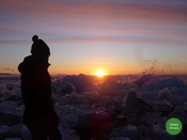 Amanecer en la playa de los diamantes - Qué ver en Islandia en 10 días