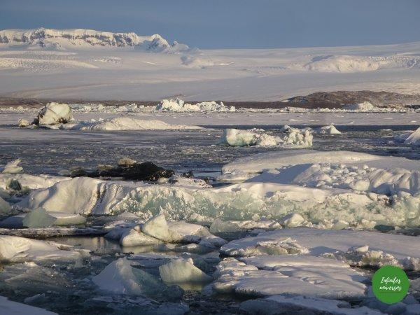 Lago glaciar playa de los diamantes Lago glaciar Jökulsárlón