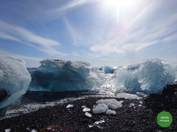 Icebergs en la playa de los diamantes