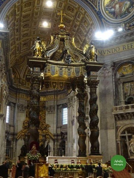 Baldaquino en la Basílica de San Pedro