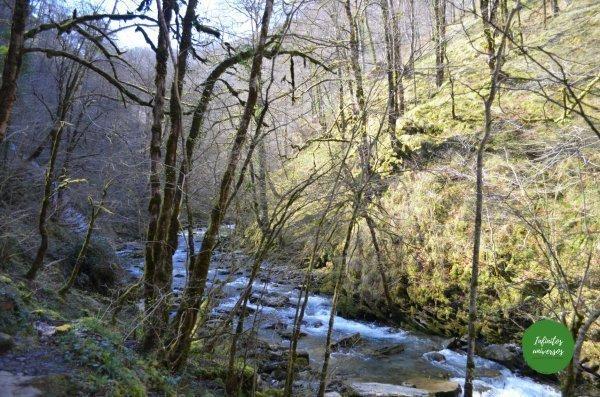 Camino a Holtzarte ruta puente colgante de holtzarte pasarela de holtzarte y garganta de kakueta