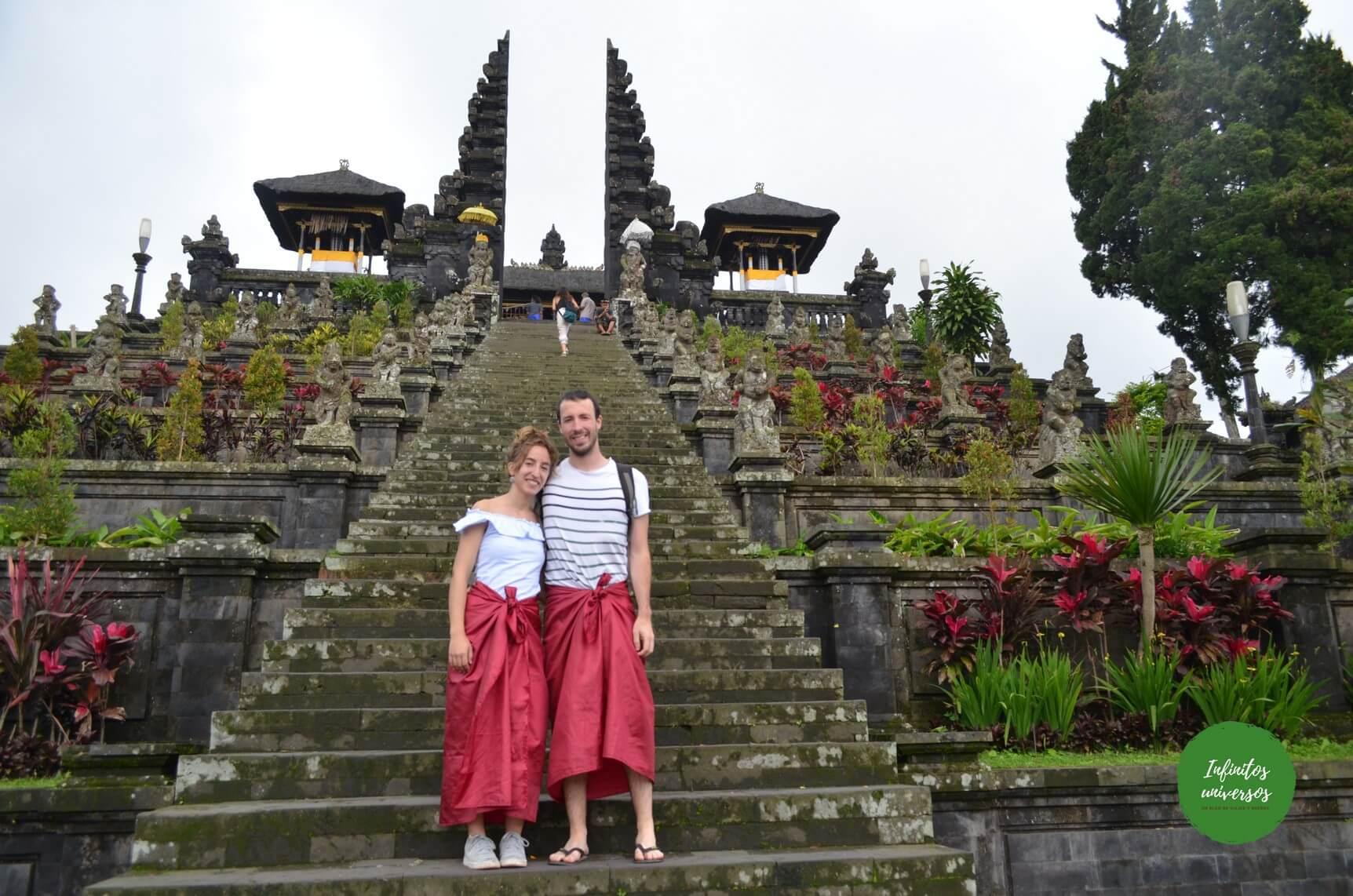 Templo Madre de Besakih - Qué ver en Bali (Indonesia) Pura Gunung Kawi Tirta Empul el templo madre de Besakih, la cascada Tukad Cepung el templo Pura Kehen Penglipuran y su bosque de bambú bali indonesia