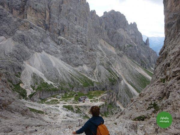 Camino descenso desde el refugio Rey Alberto I vajolet