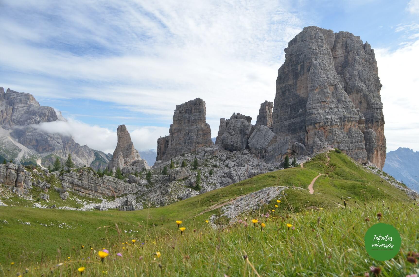 Cinco Torres (Cinque Torri) en los Dolomitas